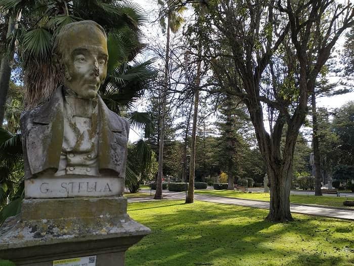 Busto di Gaetano Stella nella villa di Lecce