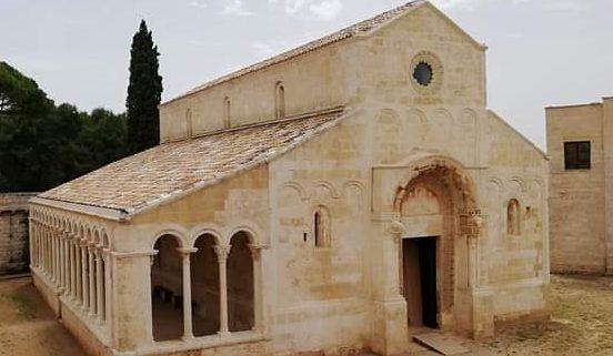 Facciata di Santa Maria di Cerrate